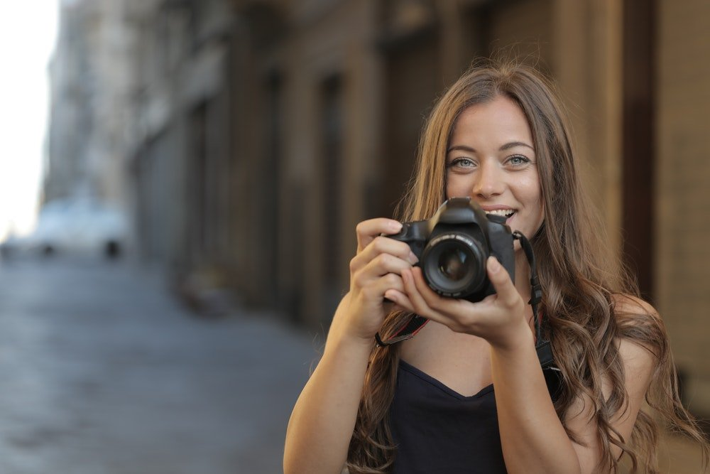 Travel Photography tips for beginners- 10 quick and easy tips and tricks to improve your travel photos for your next trip.